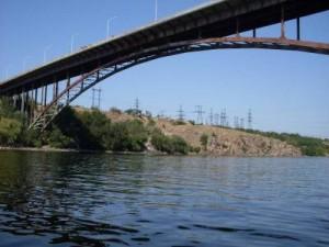 Арочный мост в Запорожье Роуп-джампинг
