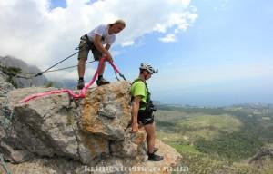Прыжок со скалы Шаан-Кая Rope-jumping