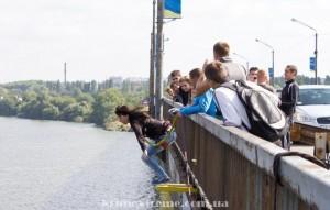 Прыжок с моста в Днепропетровске